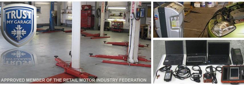 Car Repair Bay, Air Conditioning, Latest Diagnostic Equipment